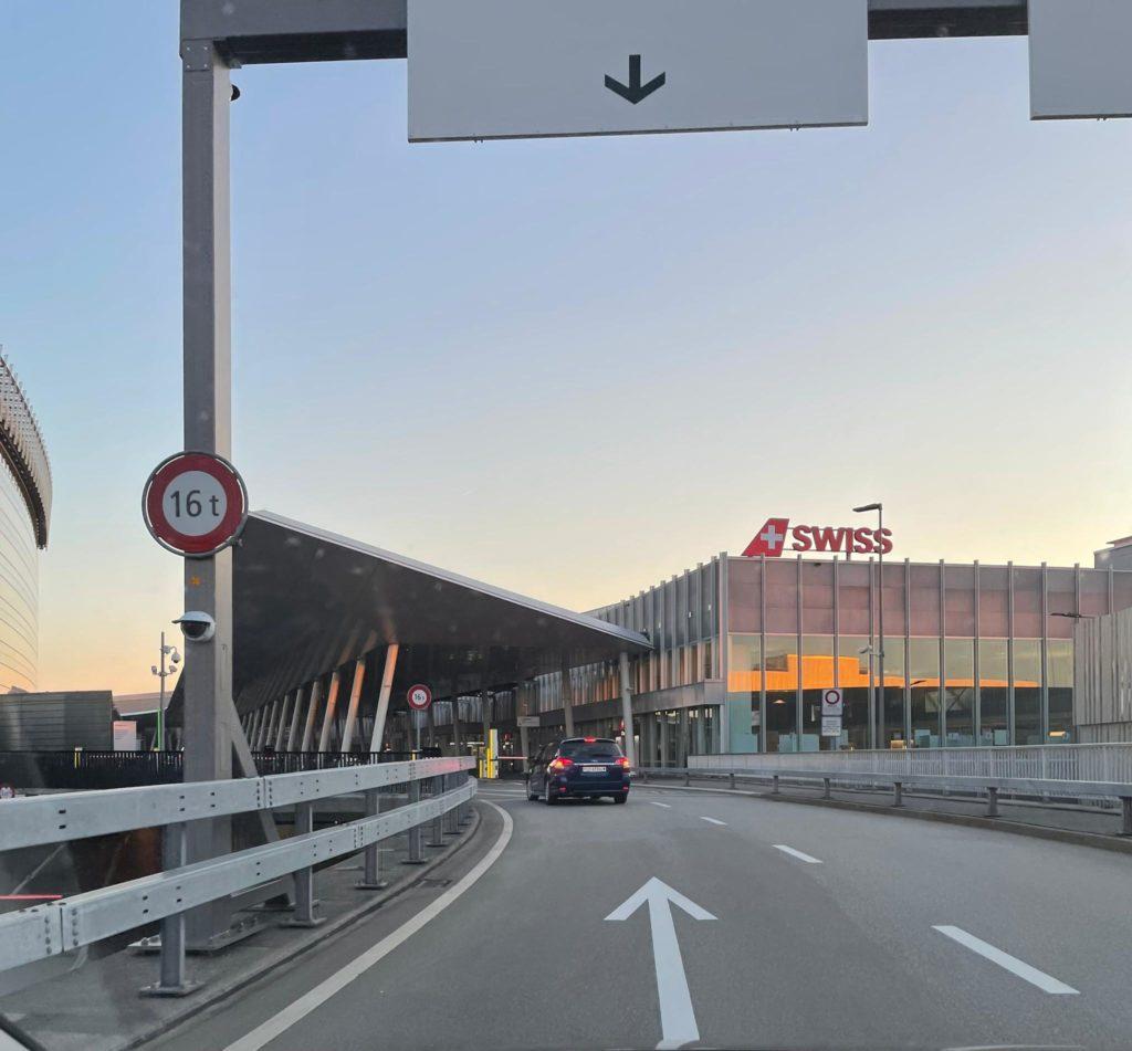 taxiservice-flughafen-zuerich-swiss1